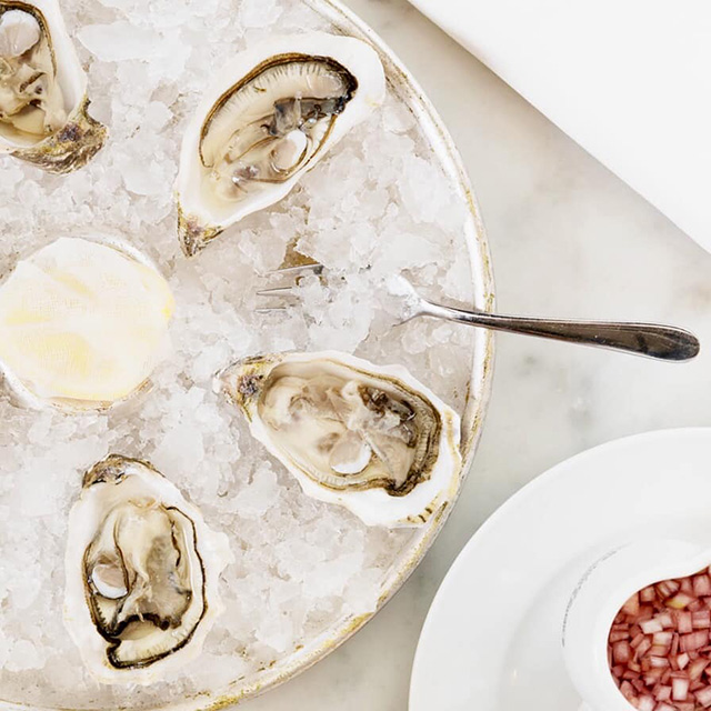 £10 for World-class Oysters and a Cocktail or Prosecco